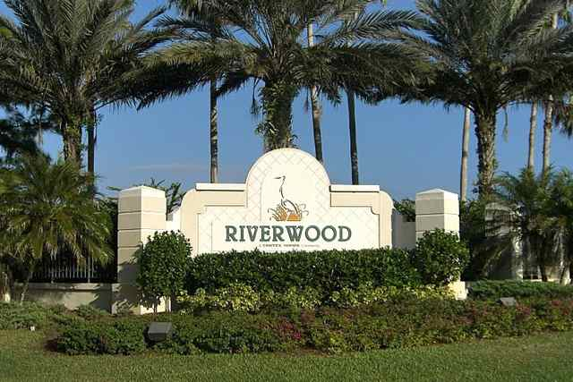 Developed on the north end of Charlotte Harbor, Riverwood offers gorgeous living with plenty of amenities and social amenities.