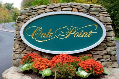 Oak Point is a wonderful 55+ community that offers active adults new and resale homes.