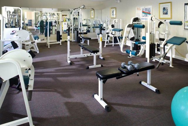 Those looking to stay in shape enjoy the cardio room, strength-training room, or indoor lap pool.