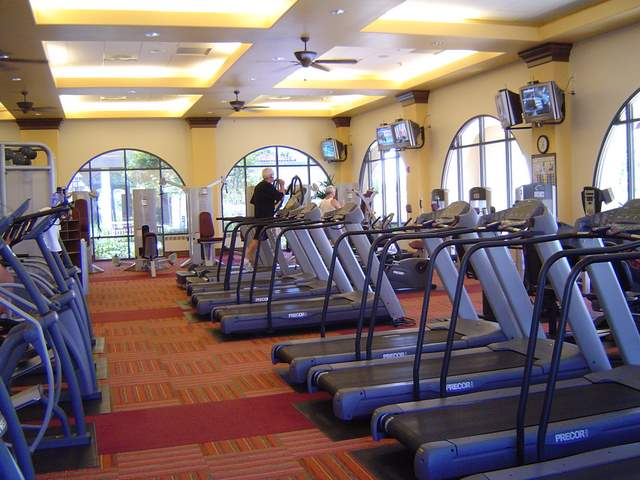 An 11,500 square foot fitness center and spa is the community hub for fitness activities and classes at Corte Bella. It features state-of-the-art cardiovascular and weight training equipment as well as an aerobics and dance studio.