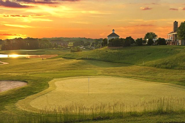 Heritage of Hawk Ridge has an scenic 18-hole executive golf course.