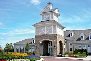 Pioneer Ridge offers the famous Del Webb lifestyle for Ohio retirees near Cleveland.