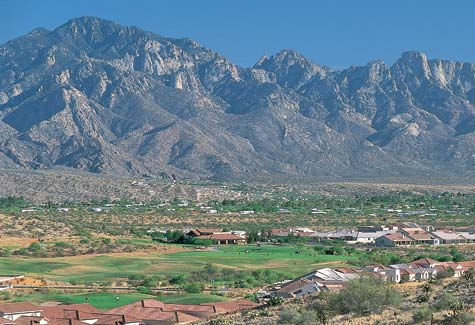SaddleBrooke is at the base of the towering Santa Catalina Mountains, which provide breathtaking views and boundless recreational opportunities.