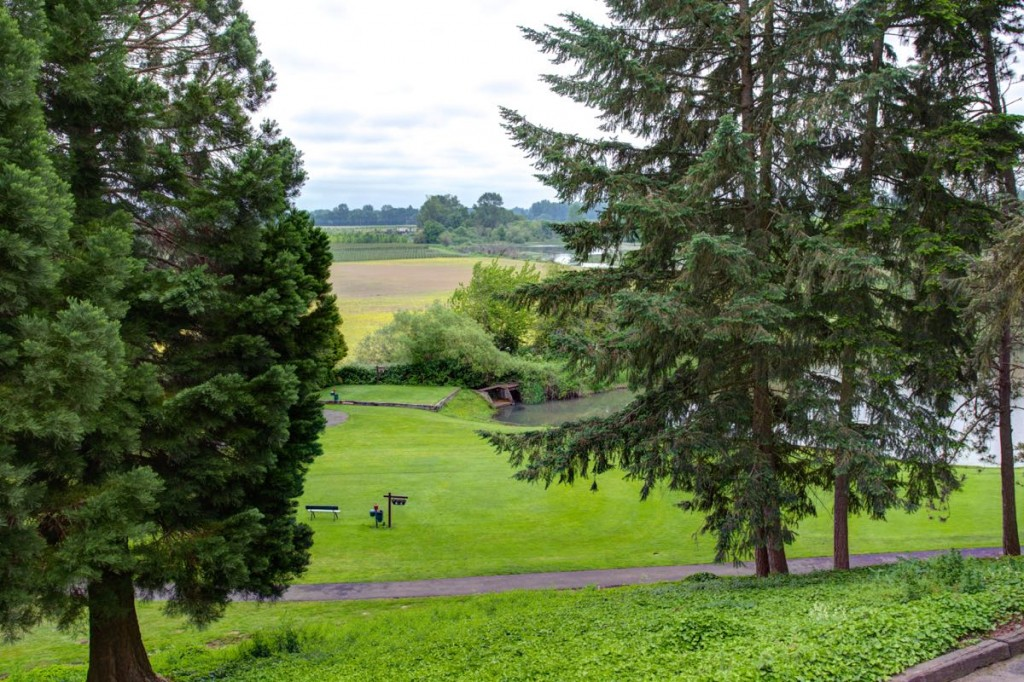Salemtowne, near Portland, is a 55+ community that awes residents with Oregon's scenic beauty.