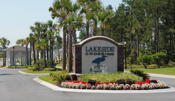 Located in Conway, South Carolina the area surrounding Lakeside Crossing offers endless opportunities for shopping, dining, and entertainment.