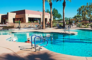 Residents of Solera enjoy an exciting collection of world-class amenities including two outdoor swimming pools.