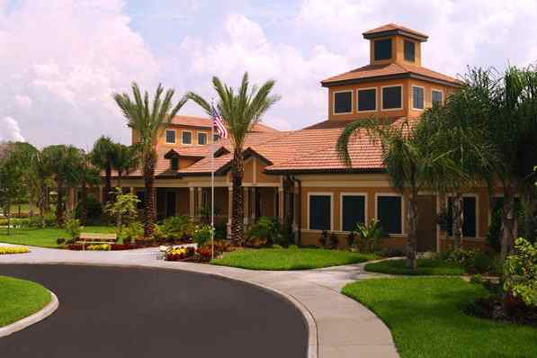 Southshore Falls is a popular active adult community in Apollo Beach with impressive amenities.