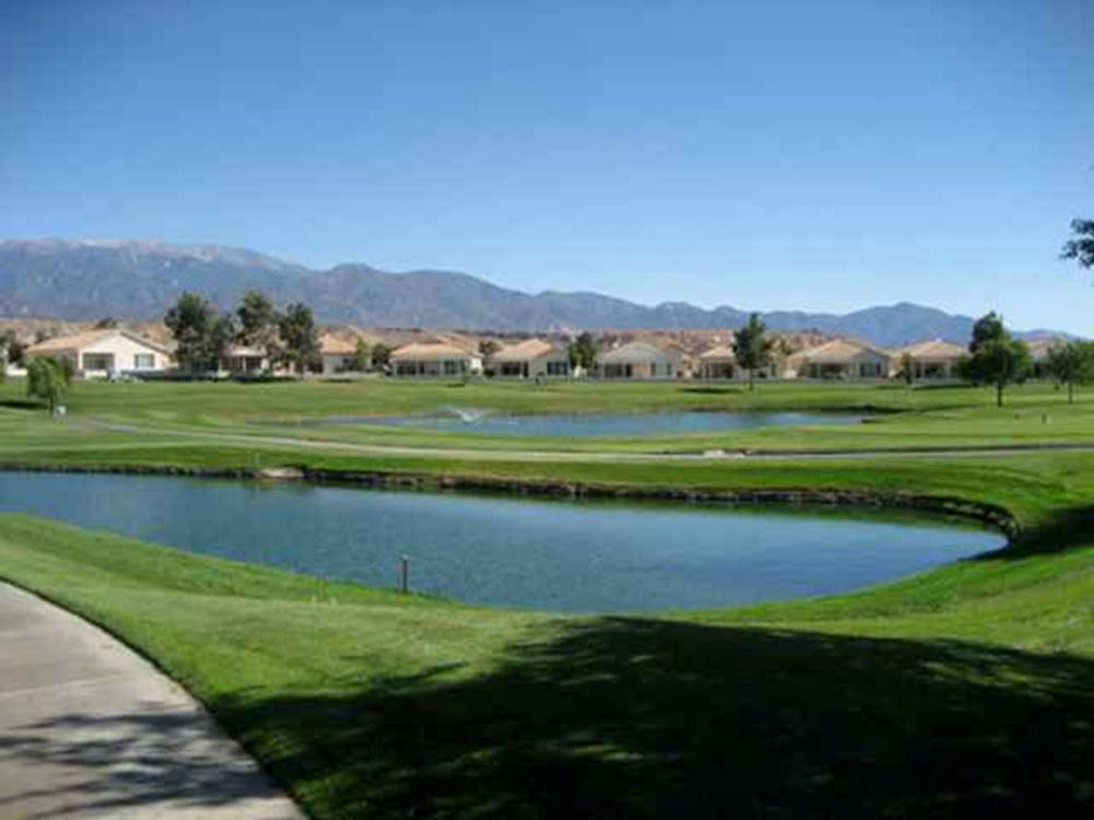Sun Lakes Country Club in Banning, CA offers a premier southern California location, gorgeous views and reasonably priced homes.