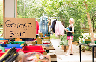 Organizing a garage sale can be a great way to make quick money for gently used items.