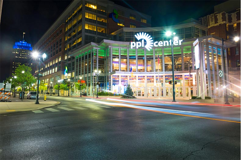 Nighttime view of streets and PPL Center in Allentown, Pennsylvania