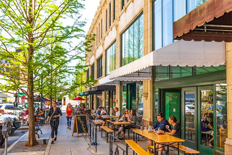 Sidewalk cafes in Asheville, North Carolina
