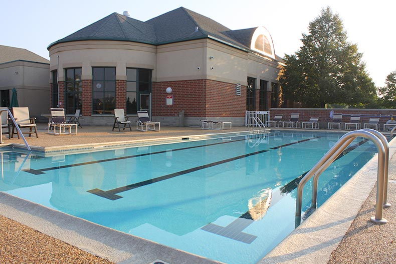 View of the outdoor pool and patio at Carillon in Plainfield, Illinois
