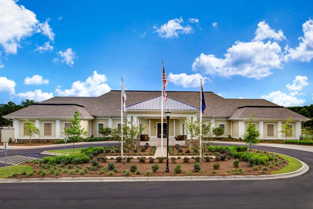 Social activities within Cobblestone Park begin at the luxurious 30,000 square-foot clubhouse.