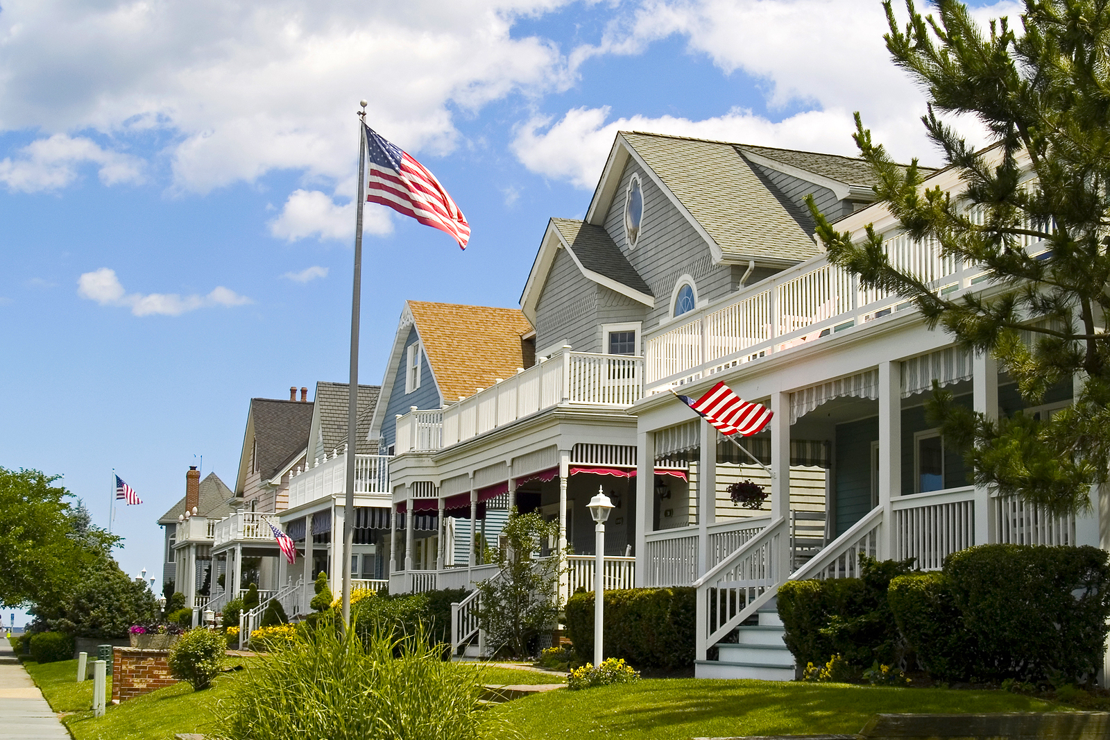 When it comes to homes, recreation, and weather, which New Jersey county is better?