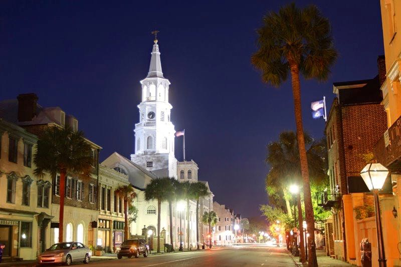 Summerville is located in the Charleston area, which provides great shopping, dining, and culture.