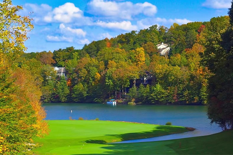 A golf course beside a picturesque lake and forest at Fairfield Glade in Crossville, Tennessee
