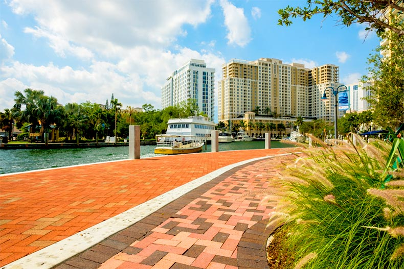 Cityscape view of the Las Olas Riverwalk in Fort Lauderdale, Florida