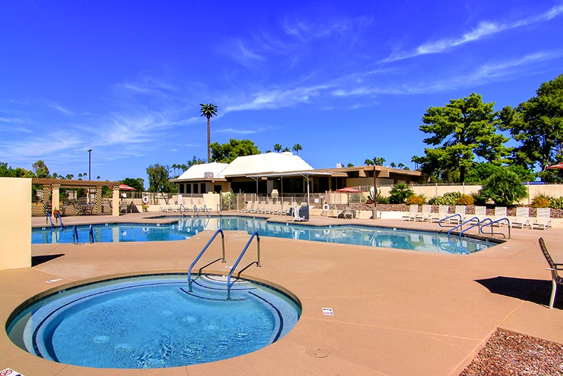 The outdoor pool, patio, and spa at Fountain of the Sun in Mesa, Arizona