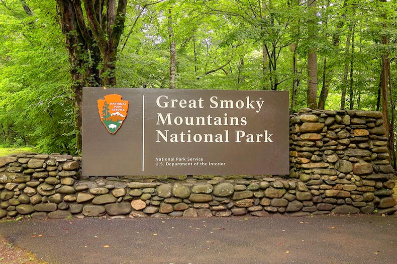 The entrance sign to Great Smoky Mountains National Park