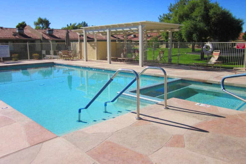 The outdoor pool and spa at Greenfield Glen in Mesa, Arizona