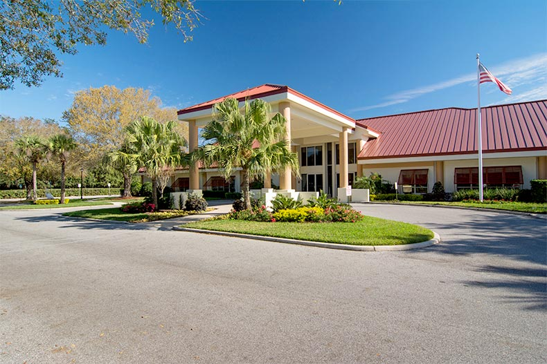 Exterior view of the clubhouse at Highland Lakes in Leesburg, Florida