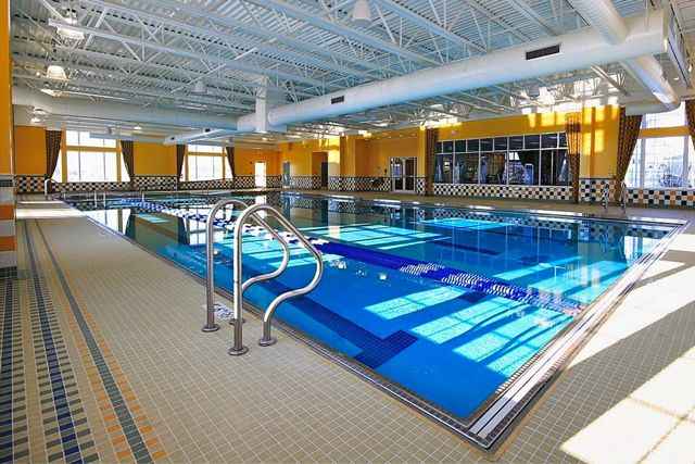 r. This state-of-the-art facility features cardiovascular and strength-training equipment, as well as locker rooms and an indoor swimming pool and spa area.