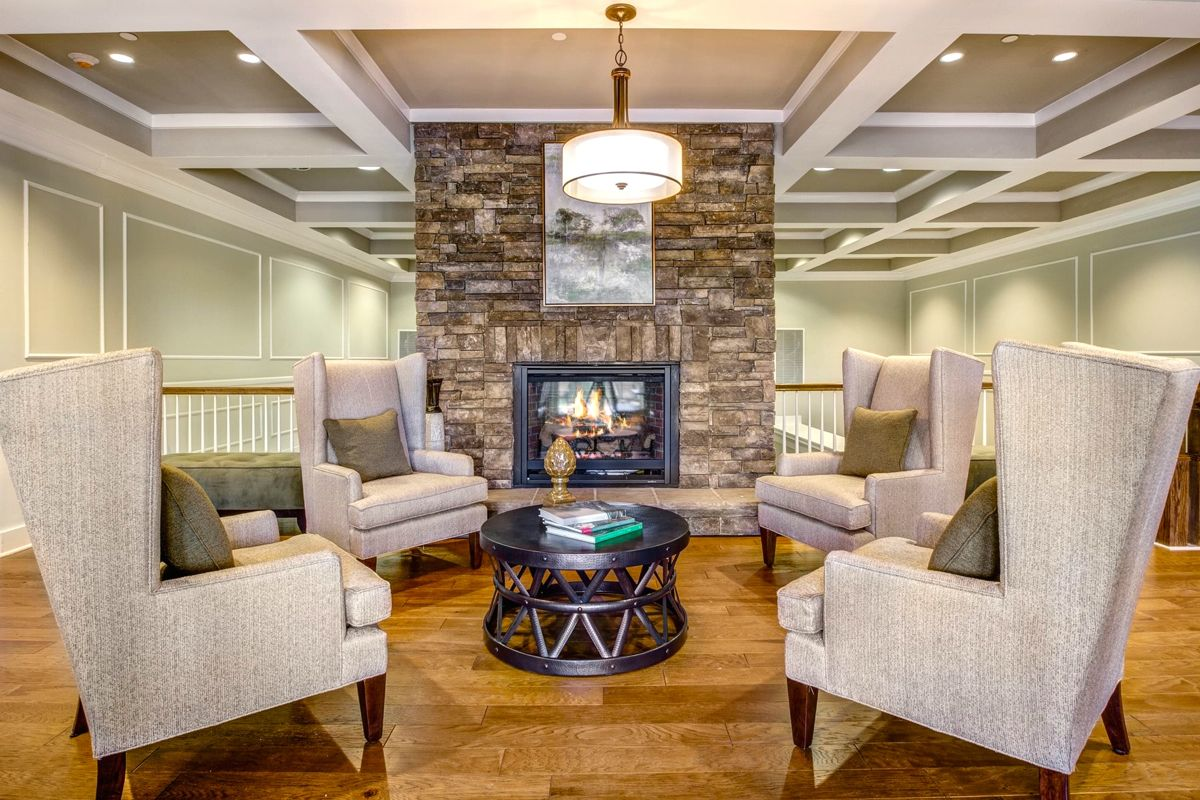 Homeowners enjoy a welcoming clubhouse where they can mingle with like-minded residents.