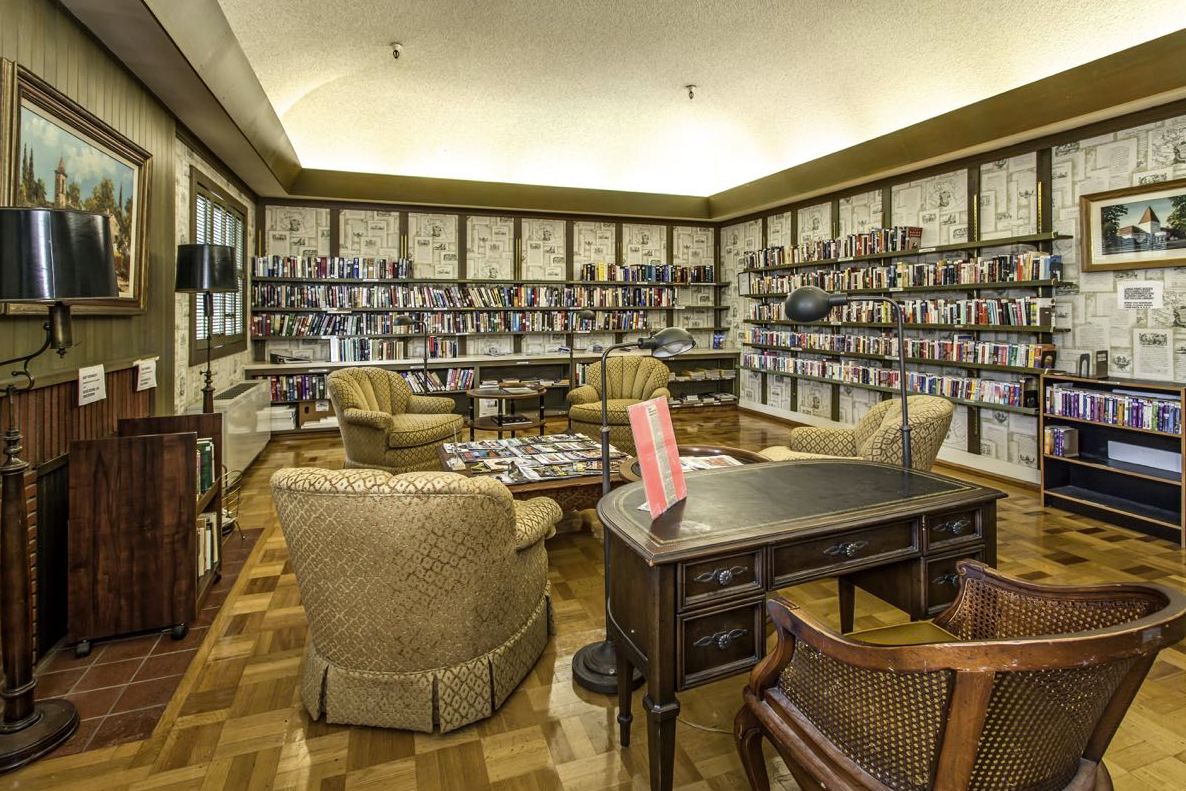 Get lost in Rossmoor's beautiful library.