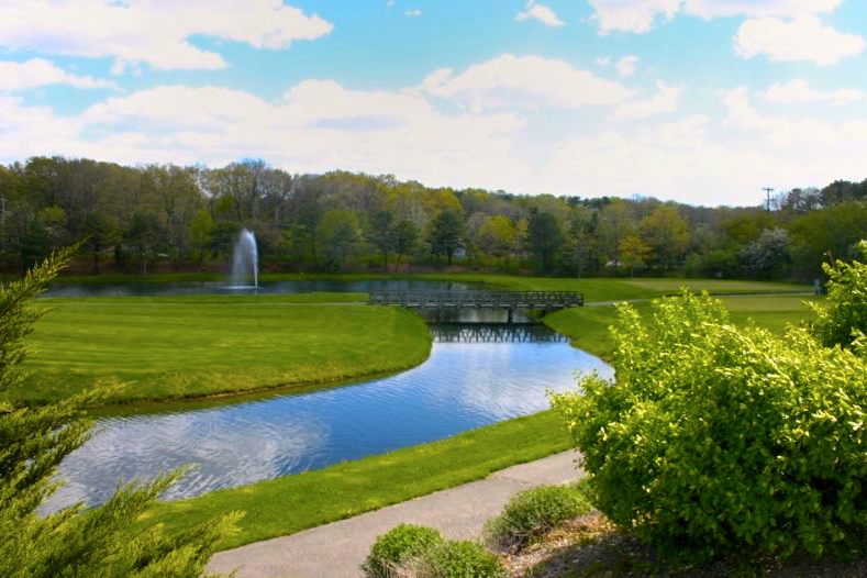 The Greens at Half Hollow offers quiet 55+ retirement while still a short drive away from New York.