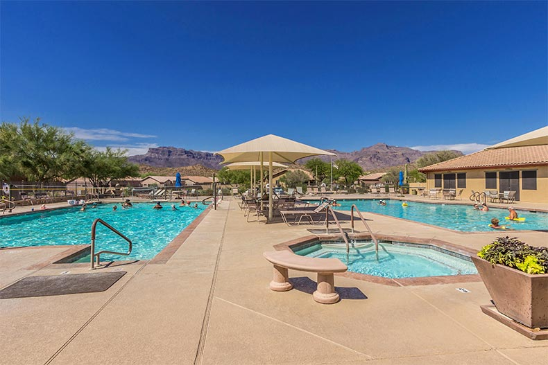 The outdoor pool and patio at Mountainbrook Village in Gold Canyon, Arizona