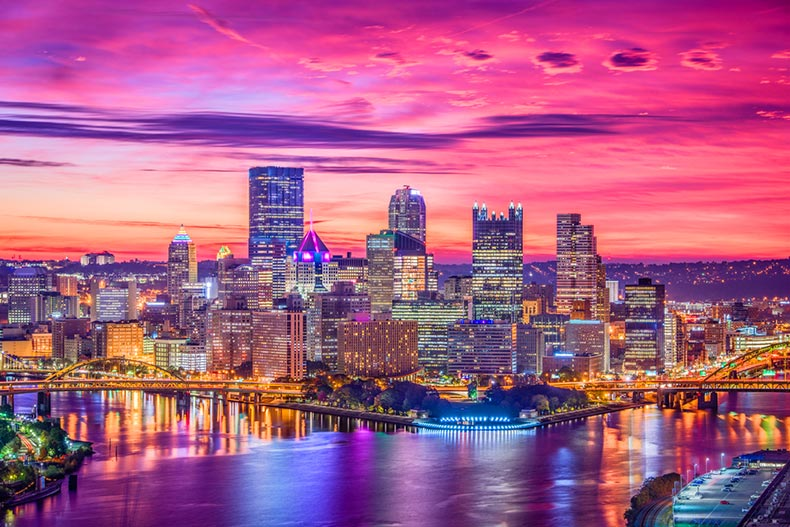 Sunset view of the skyline in Pittsburgh, Pennsylvania