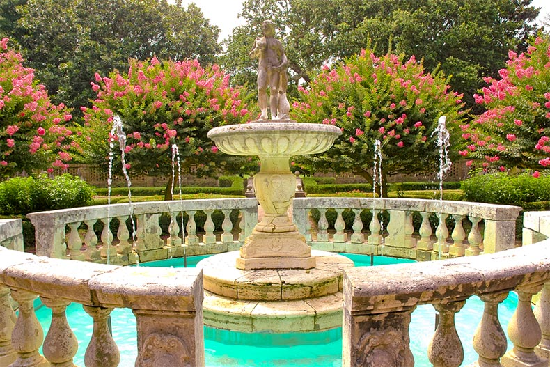 Classical-style fountain in an Elizabethan garden in Raleigh, North Carolina