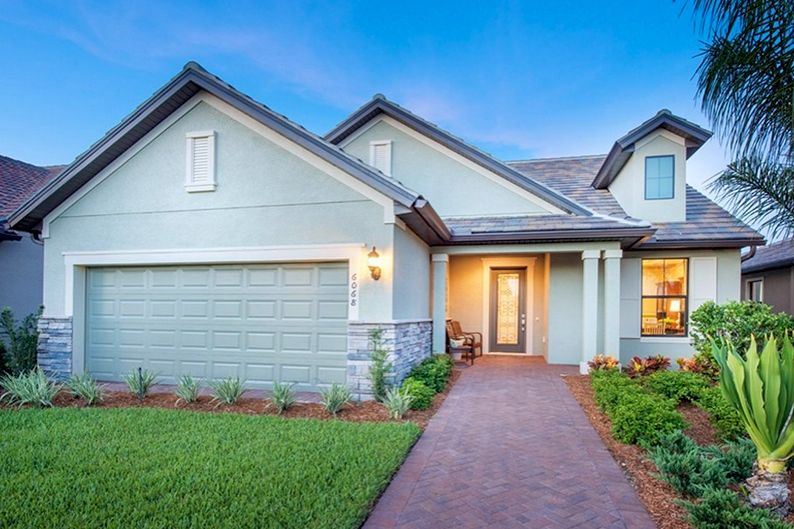 All homes in Del Webb Lakewood Ranch feature energy-efficient designs, welcoming exteriors, gourmet kitchens, open layouts, and more.