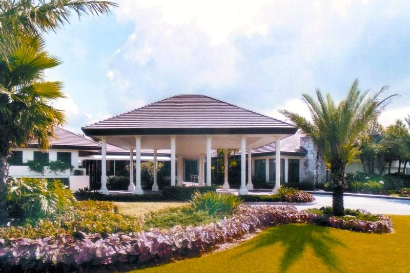 Boca Lago is a lush 55+ community located in beautiful Boca Raton, Florida.