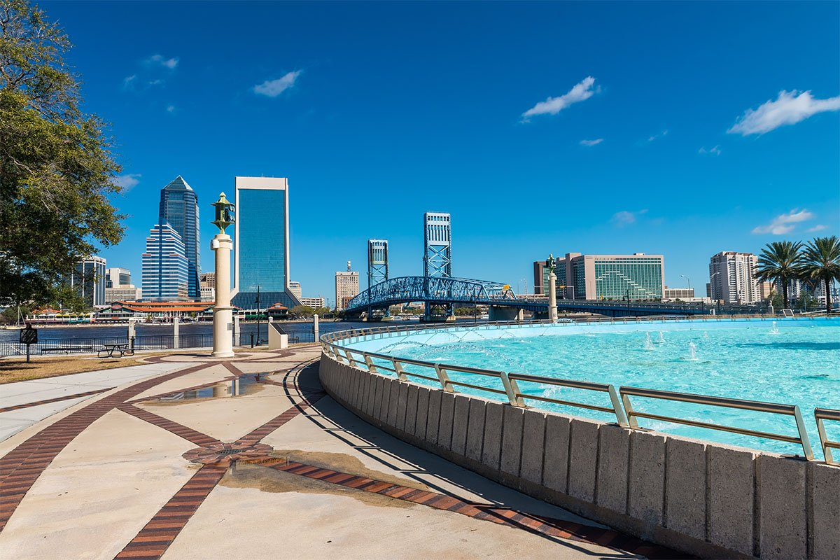 Fountain and downtown skyline in Jacksonville Florida
