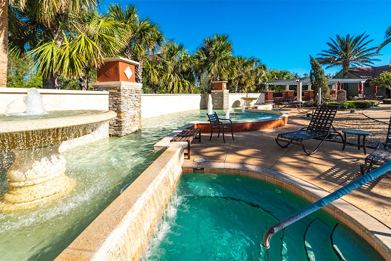Hot tub and fountain in Solivita, Kissimmee, FL