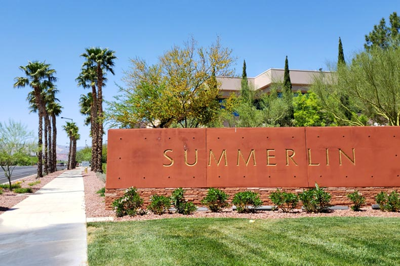 A sign welcoming visitors to Summerlin in Las Vegas, Nevada