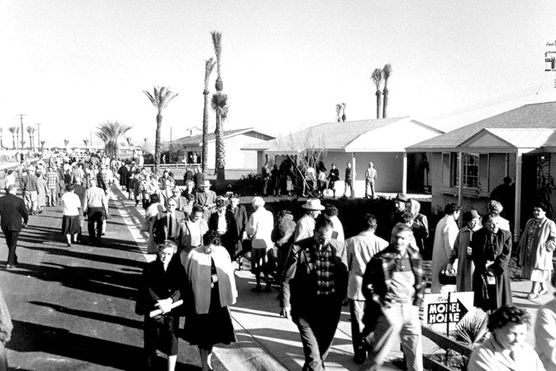 Opening day of Sun City on January 1st, 1960